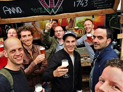Bierproeven - bierproeftocht - groep heren
