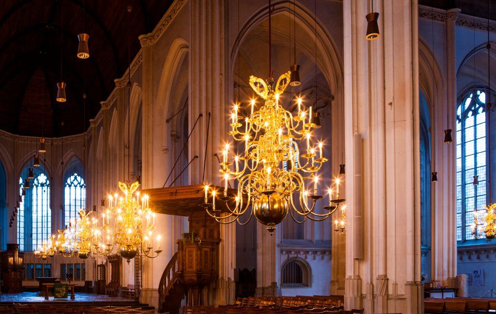 Rondleiding kerk & proeverij in de kelder